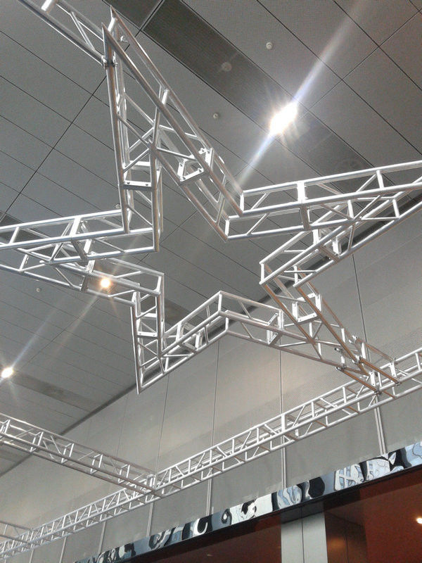 Silver Aluminum Circle Truss 300*300 9m Size For Indoor Show And Events